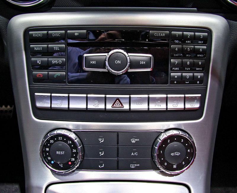 Ženeva 2011 živě: sportovní Mercedesy: - fotka 38