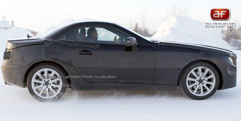 Spy Photos: Mercedes-Benz SLK 35 AMG (63 AMG?): - fotka 13