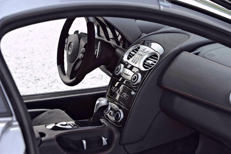 Mercedes a McLaren - každý na vlastním písečku: - fotka 6