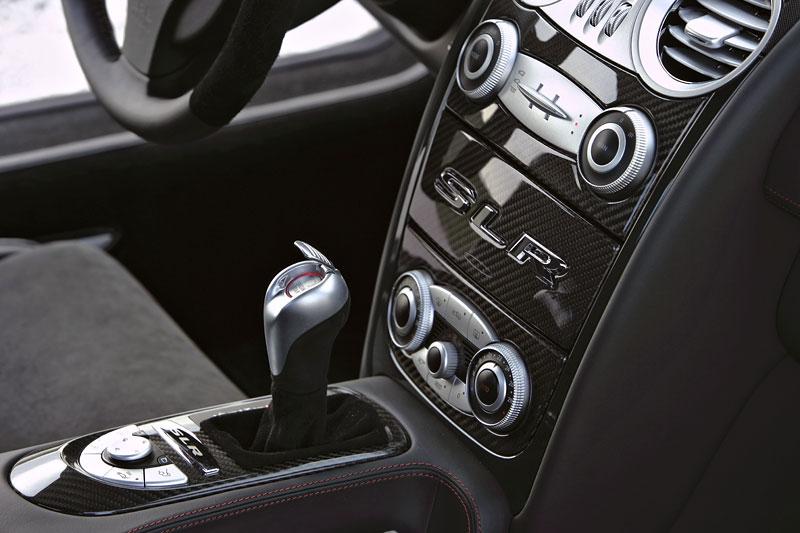 Mercedes a McLaren - každý na vlastním písečku: - fotka 10