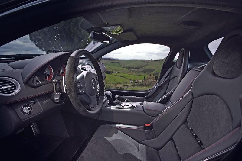 Mercedes a McLaren - každý na vlastním písečku: - fotka 11