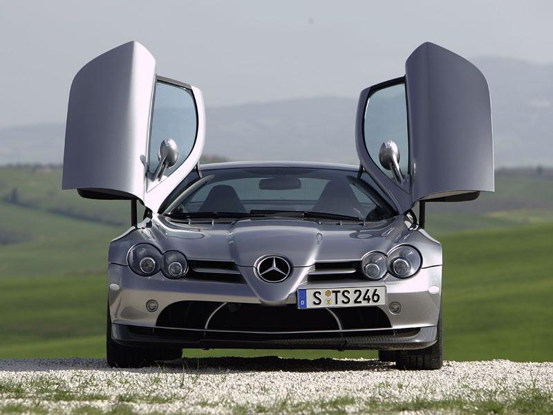 Mercedes a McLaren - každý na vlastním písečku: - fotka 14