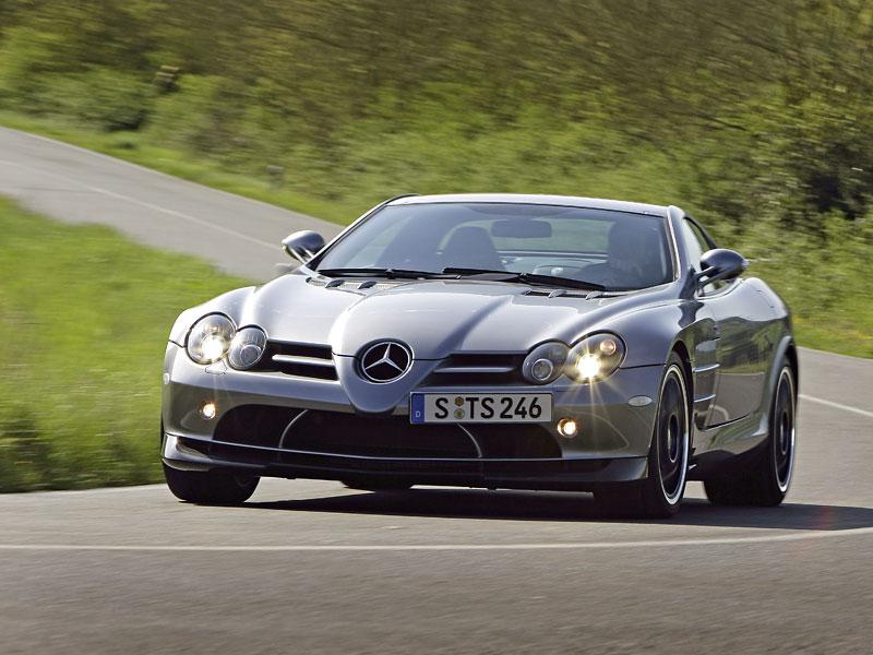 Mercedes a McLaren - každý na vlastním písečku: - fotka 15