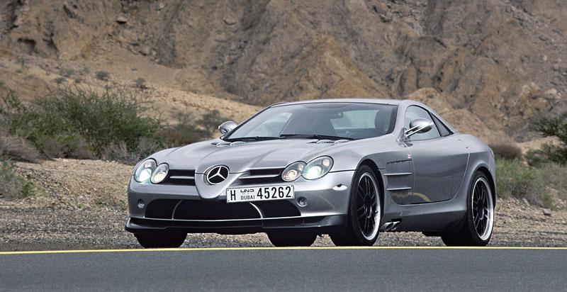 Mercedes a McLaren - každý na vlastním písečku: - fotka 17
