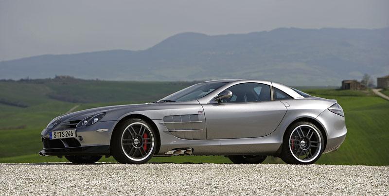Mercedes a McLaren - každý na vlastním písečku: - fotka 20