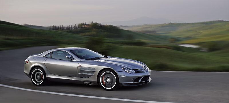 Mercedes a McLaren - každý na vlastním písečku: - fotka 21