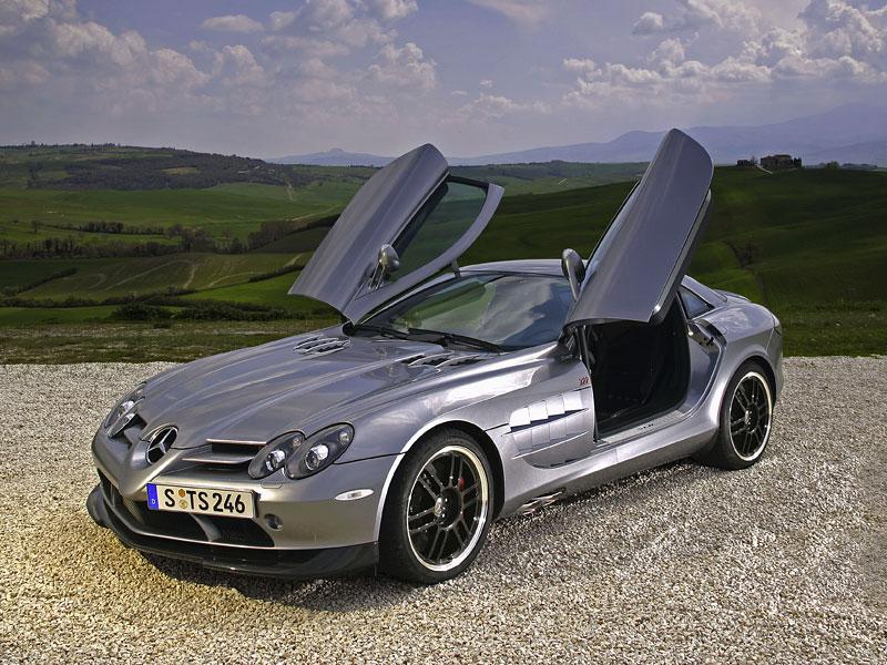 Mercedes a McLaren - každý na vlastním písečku: - fotka 26