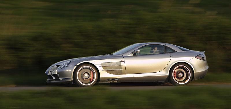 Mercedes a McLaren - každý na vlastním písečku: - fotka 29