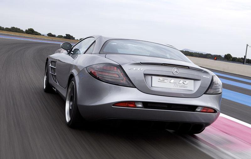 Mercedes a McLaren - každý na vlastním písečku: - fotka 35