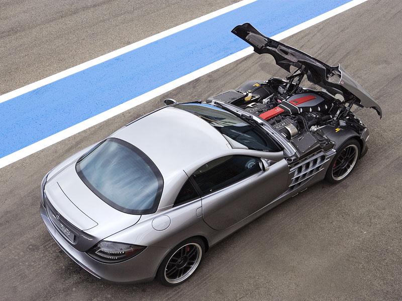 Mercedes a McLaren - každý na vlastním písečku: - fotka 36