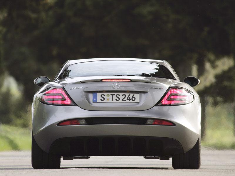 Mercedes a McLaren - každý na vlastním písečku: - fotka 37