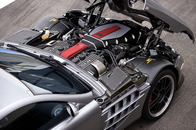 Mercedes a McLaren - každý na vlastním písečku: - fotka 38