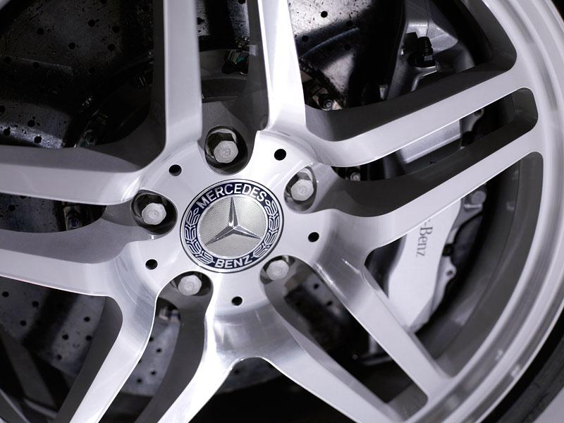 Mercedes-Benz SLR Stirling Moss: velká fotogalerie: - fotka 35