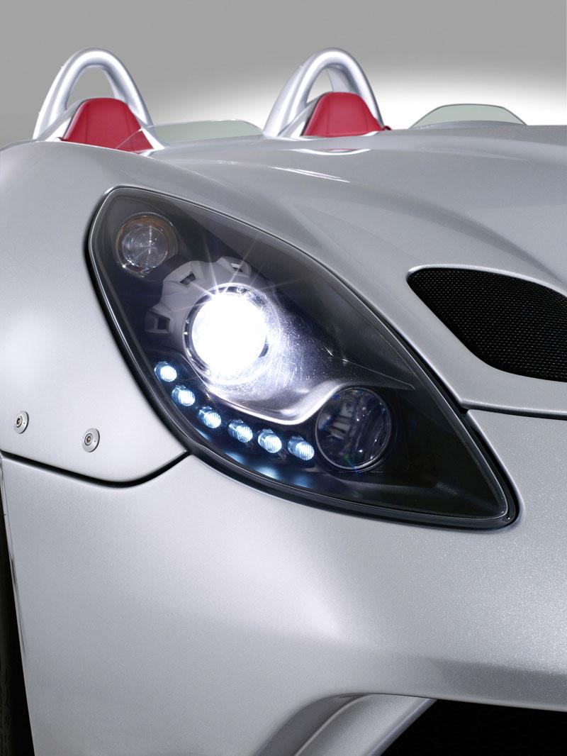 Mercedes-Benz SLR Stirling Moss: velká fotogalerie: - fotka 37