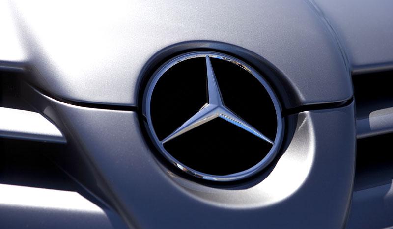 Mercedes a McLaren - každý na vlastním písečku: - fotka 43