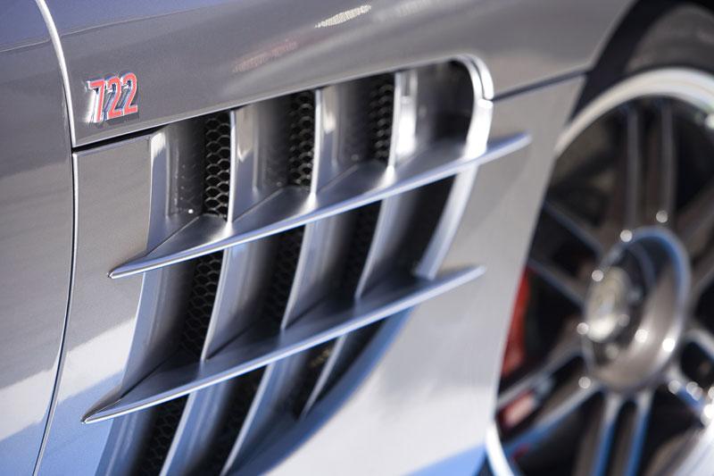 Mercedes a McLaren - každý na vlastním písečku: - fotka 44