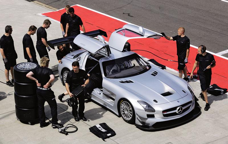Mercedes-Benz SLS AMG GT3: speciál už zná svou cenu: - fotka 21