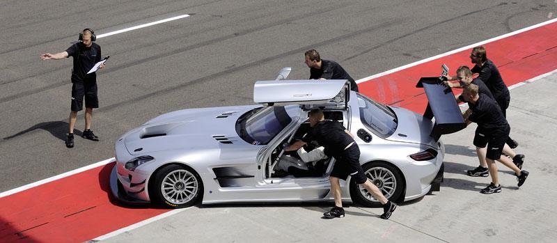 Mercedes-Benz SLS AMG GT3: speciál už zná svou cenu: - fotka 27