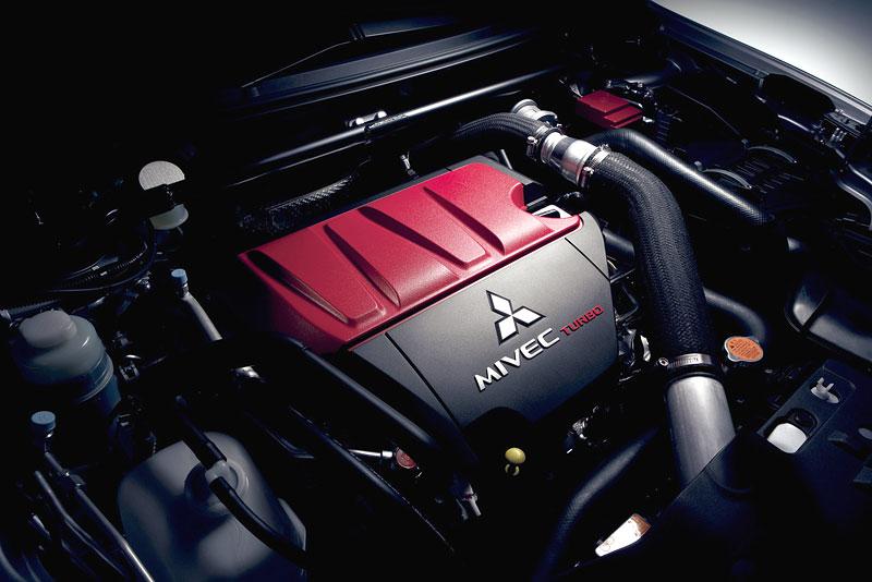 Mitsubishi Lancer Evo X loví u konkurence: - fotka 30