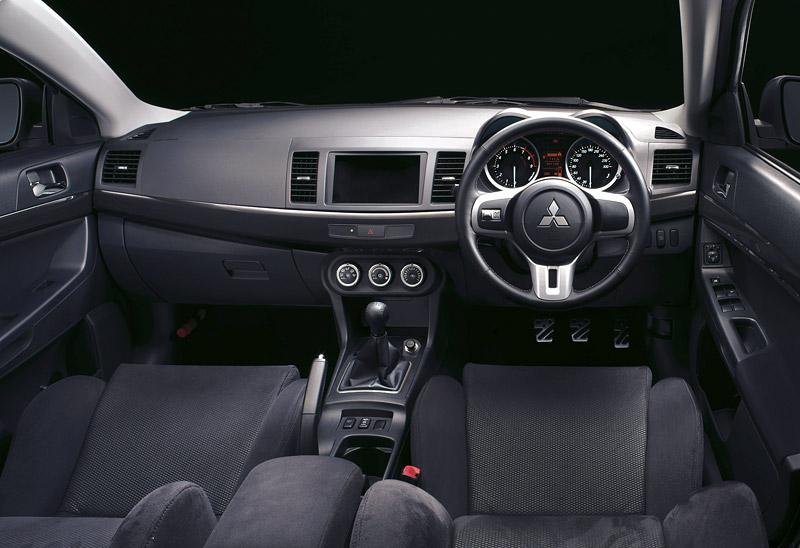 Nominace na Mezinárodní motor roku 2008: - fotka 41