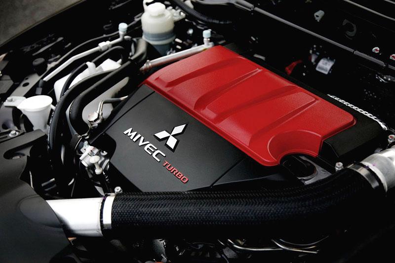 Akční snímky Mitsubishi Lancer Evo X: - fotka 28