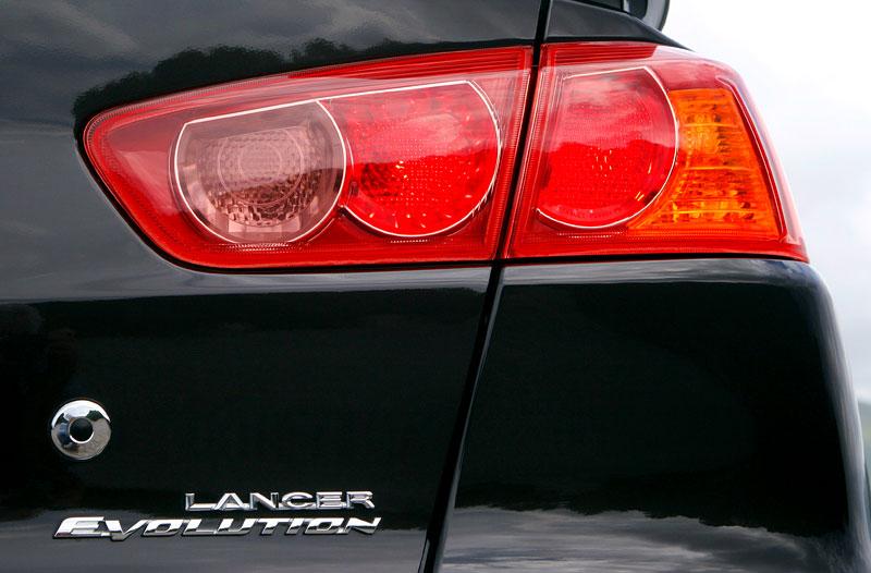 Za volantem: Mitsubishi Lancer Evolution TC-SST: - fotka 32