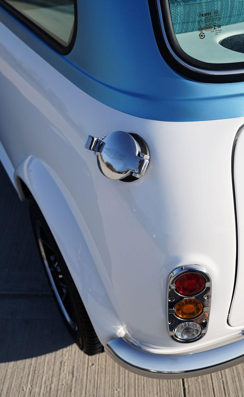 Teď můžete mít klasické Mini jako nové auto. Je ale absurdně drahé: - fotka 15