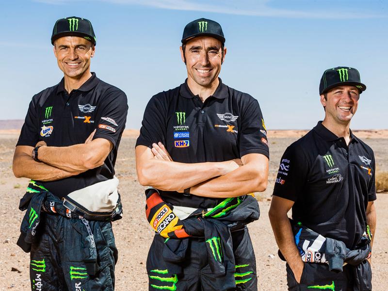 Mini vyrazí na Dakar 2015 s osmičkou aut: - fotka 25