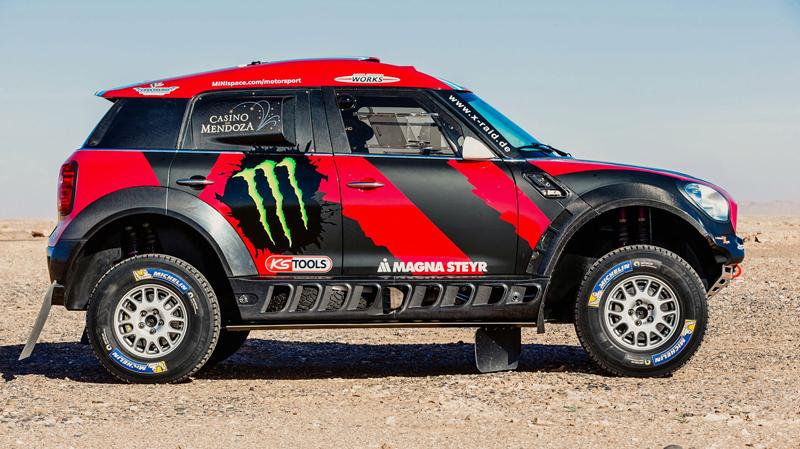 Mini vyrazí na Dakar 2015 s osmičkou aut: - fotka 26