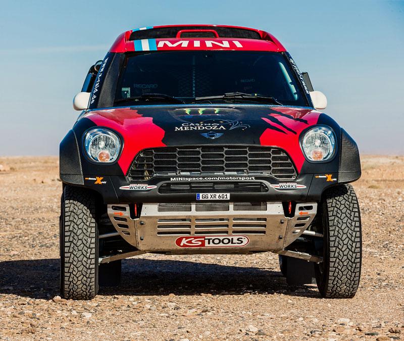 Mini vyrazí na Dakar 2015 s osmičkou aut: - fotka 27