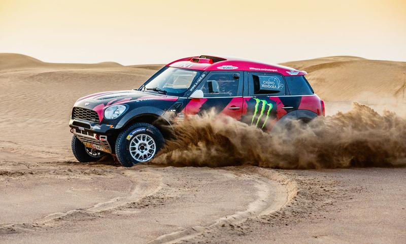 Mini vyrazí na Dakar 2015 s osmičkou aut: - fotka 31