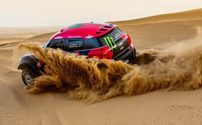 Mini vyrazí na Dakar 2015 s osmičkou aut: - fotka 34