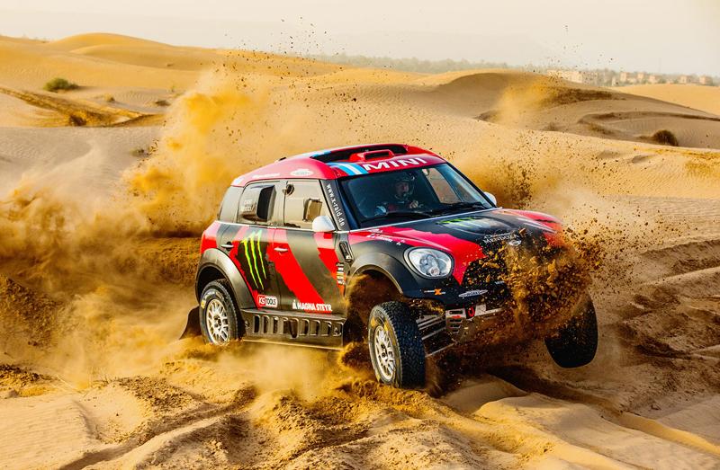 Mini vyrazí na Dakar 2015 s osmičkou aut: - fotka 35