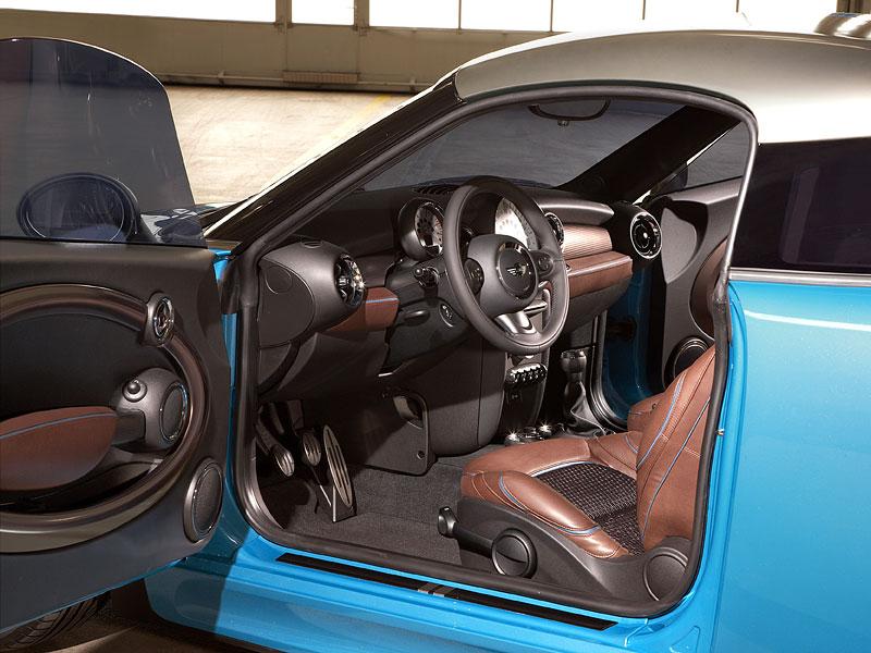 Frankfurt 2009: Mini Coupe Concept - dvě místa, 211 koní a fůra fotek: - fotka 1