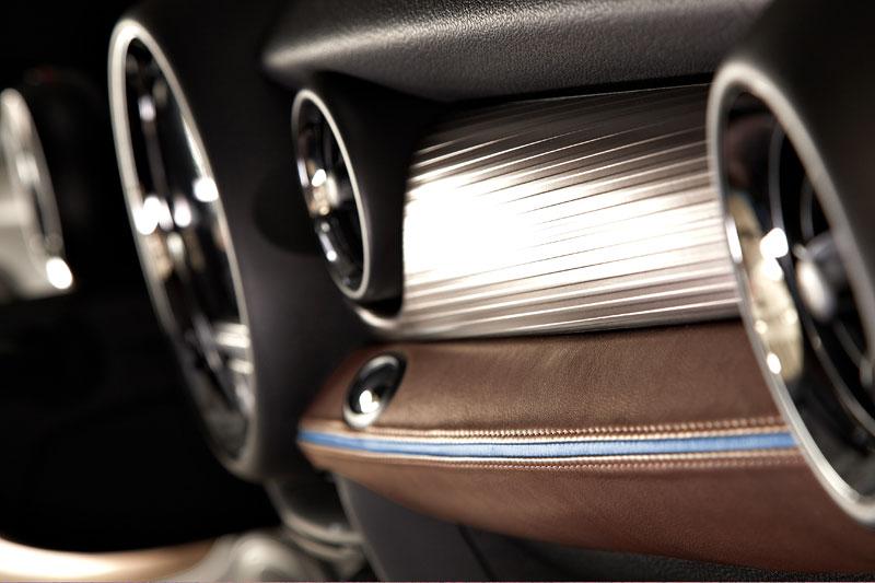 Frankfurt 2009: Mini Coupe Concept - dvě místa, 211 koní a fůra fotek: - fotka 3