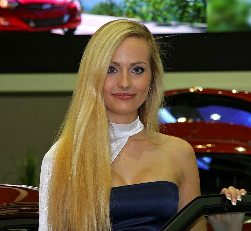 Autosalon Brno 2011: Babes: - fotka 21