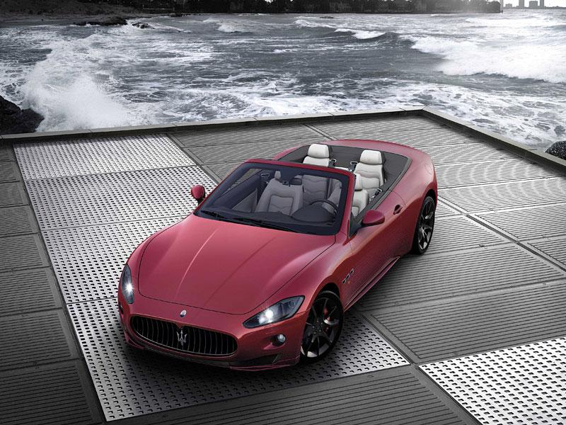 Ženeva 2011: Maserati GranCabrio Sport: - fotka 3