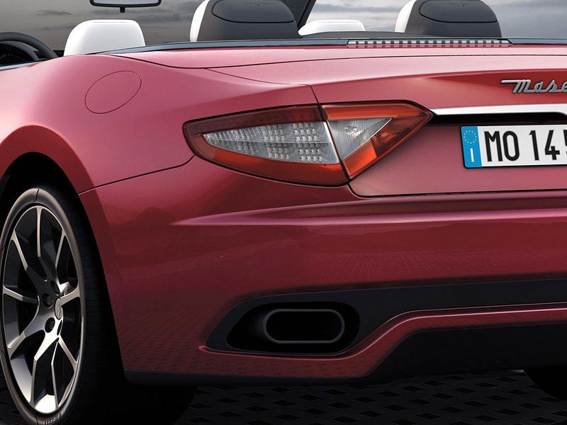 Ženeva 2011: Maserati GranCabrio Sport: - fotka 7