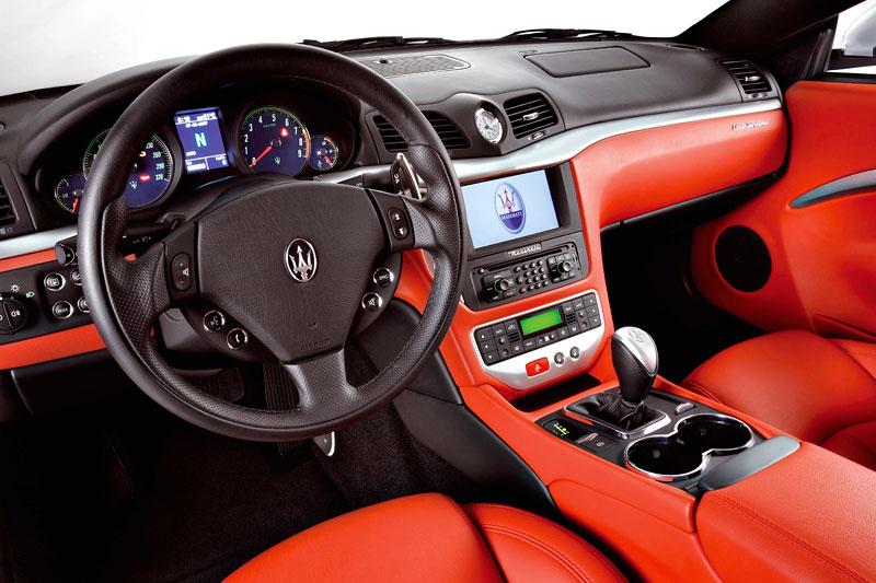 Pod lupou: Maserati GranTurismo – Poseidonova hračka pro velké cestování: - fotka 2