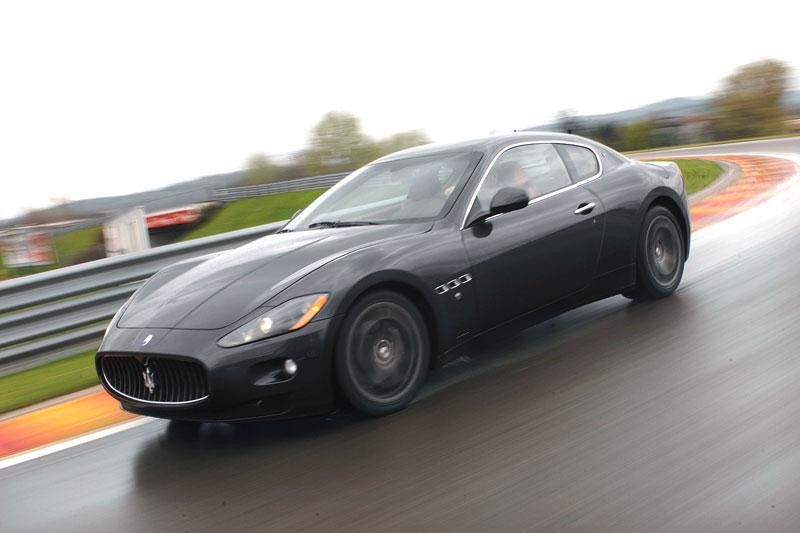 Pod lupou: Maserati GranTurismo – Poseidonova hračka pro velké cestování: - fotka 24