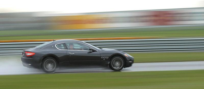 Pod lupou: Maserati GranTurismo – Poseidonova hračka pro velké cestování: - fotka 41