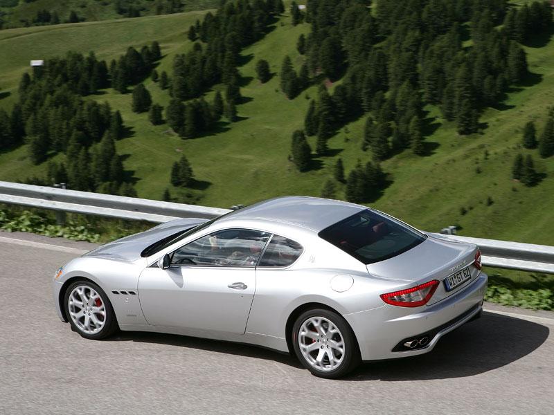 Pod lupou: Maserati GranTurismo – Poseidonova hračka pro velké cestování: - fotka 51