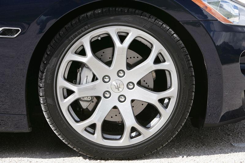 Pod lupou: Maserati GranTurismo – Poseidonova hračka pro velké cestování: - fotka 58