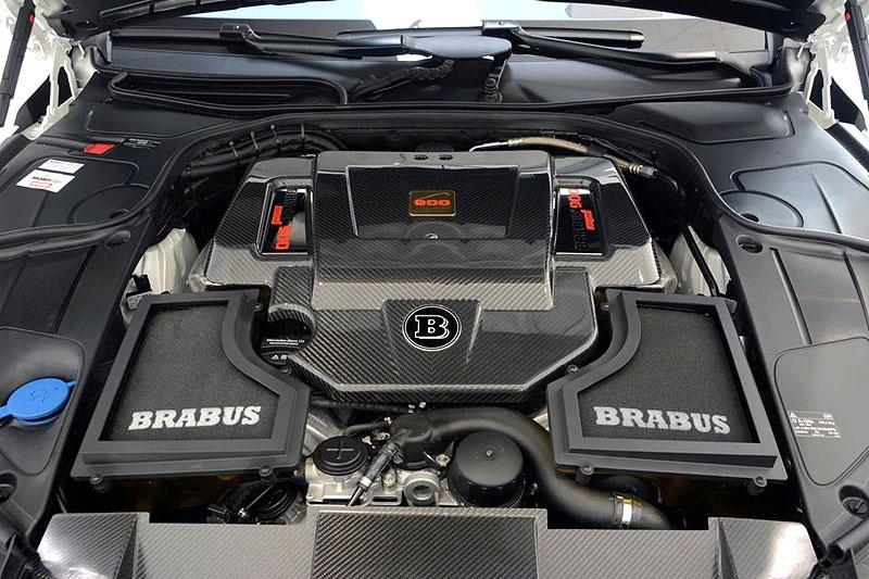 Mercedes-Maybach S 600 jako bílá raketa: - fotka 26