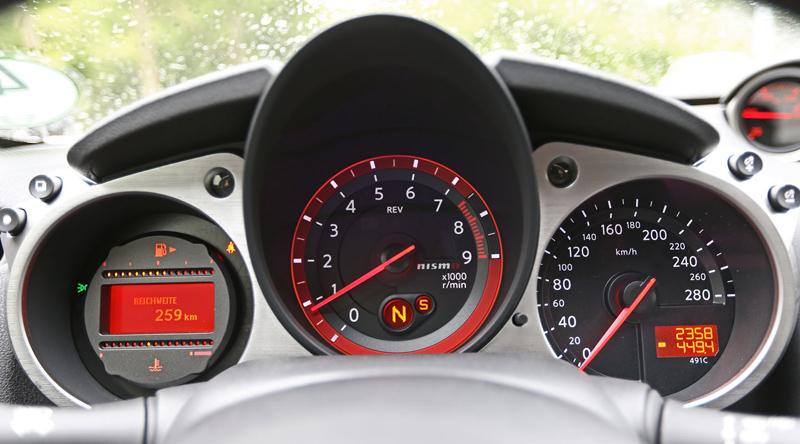 Za volantem: Nissan 370Z Nismo: - fotka 1