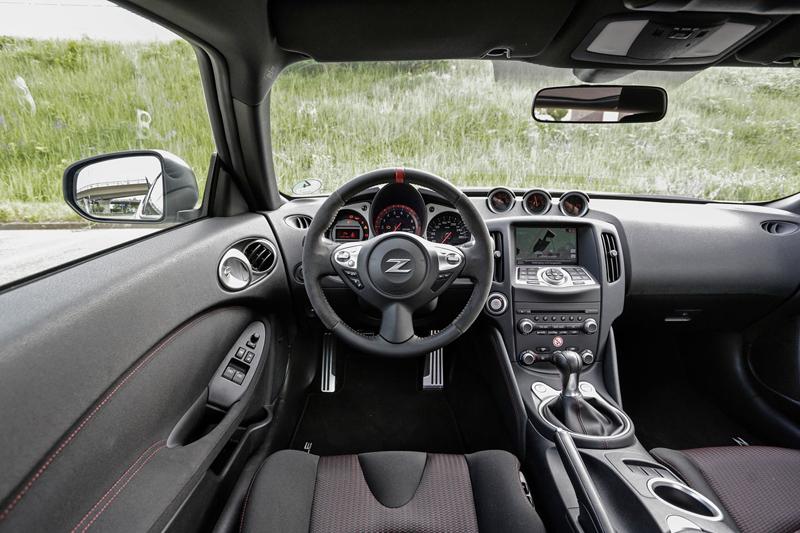 Za volantem: Nissan 370Z Nismo: - fotka 4