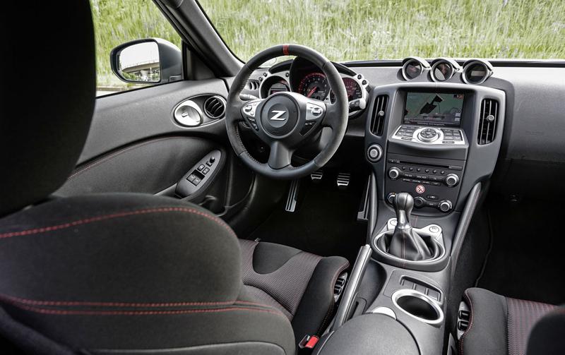 Za volantem: Nissan 370Z Nismo: - fotka 5