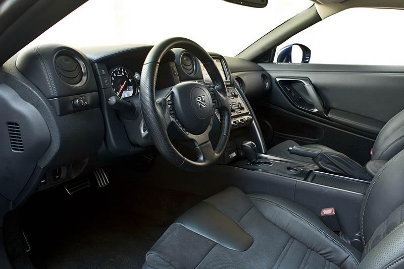 Nissan GT-R: fotogalerie verze modelového roku 2011: - fotka 2