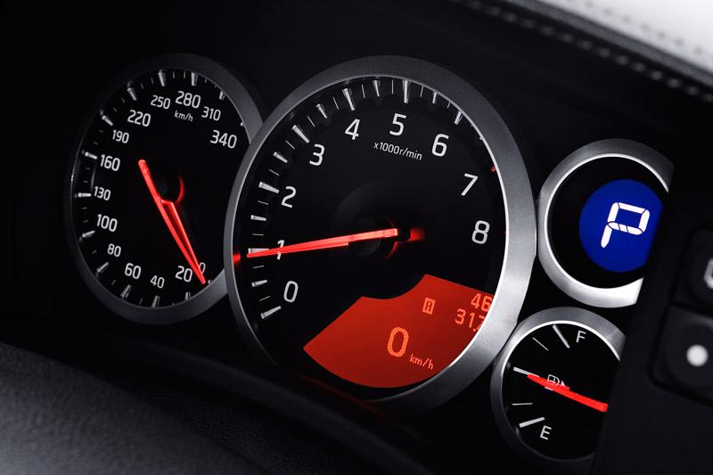 Nissan GT-R: do nového roku výkonnější: - fotka 11