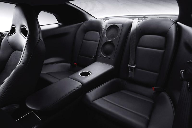 Nissan GT-R: do nového roku výkonnější: - fotka 14